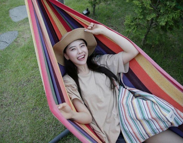 Dress Up Confidence! 66girls.us Multi-Colored Stripe Tote Bag (DHYP) #66girls #kstyle #kfashion #koreanfashion #girlsfashion #teenagegirls #younggirlsfashion #fashionablegirls #dailyoutfit #trendylook #globalshopping