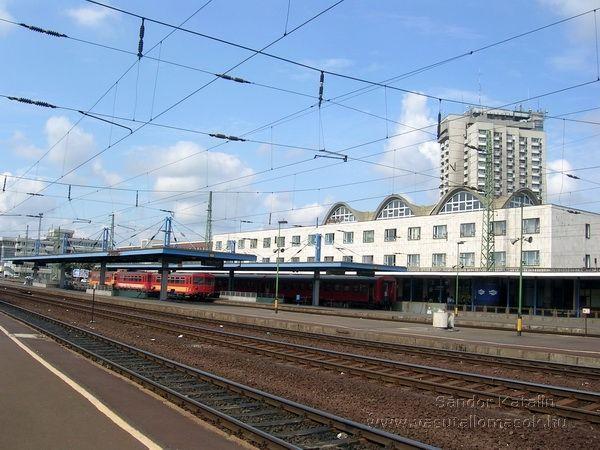 Debrecen - Magyarország vasútállomásai és vasúti megállóhelyei