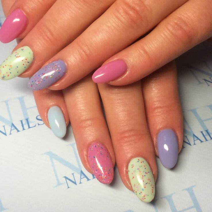 Vårnaglar på Lotta  Gelish & ProHesion akryl. Naglar av Cindy Andersson @anderssoncindy @nhnailsse #nails #gelish #nhnails #tmblrfeature #harmony #nailart  #prohesion #nailswag #nailstagram #nailsdid #nailprodigy #nailsofinstagram #nailsdone #nails2inspire #nailsoftheday #nailsart #nailsalon #nails4yummies #notd #nailsdesign #nailspolish #makeThemGelish #nailsoftheweek #nailshop #nailstyle @prohesion  #nailsmakeus #nailsaddict #nailpromagazine #nailitmagazine  @gelish_official  #scra2ch by…