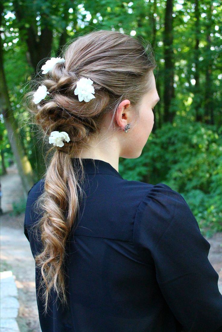 Hairstyle, Flower