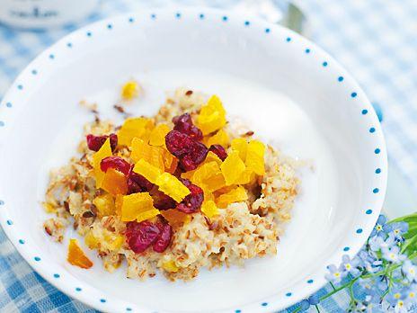 Gröt med linfrön och torkad frukt | Recept.nu