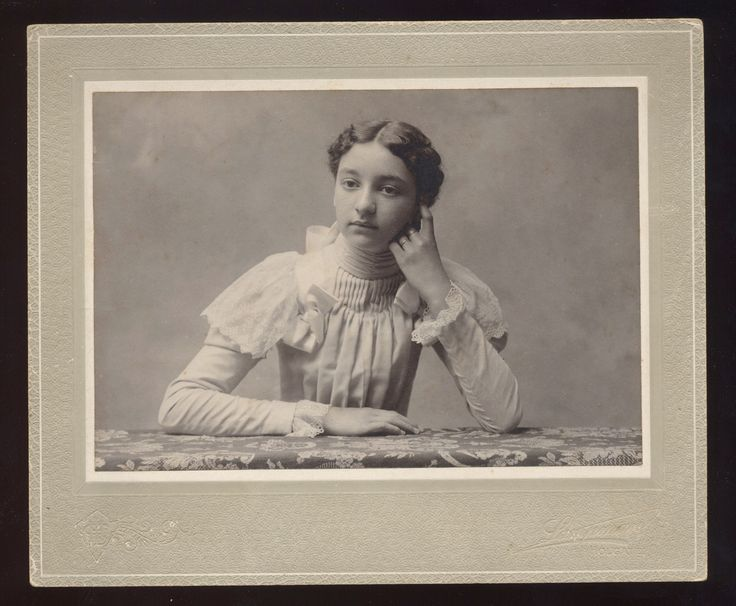ANTIQUE CABINET PHOTO VICTORIAN YOUNG LADY QUITE THIN WAIF IN LOVELY DRESS