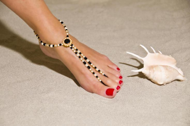 pretty toes   Thread: Worst Celebrity toes (srs) (pics) (lulz)