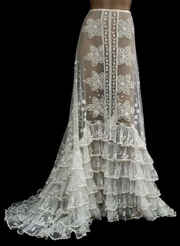 Yikes! This vintage lace petticoat is so beautiful. Don't think I'll ever make it, but want to keep it just to look at it.