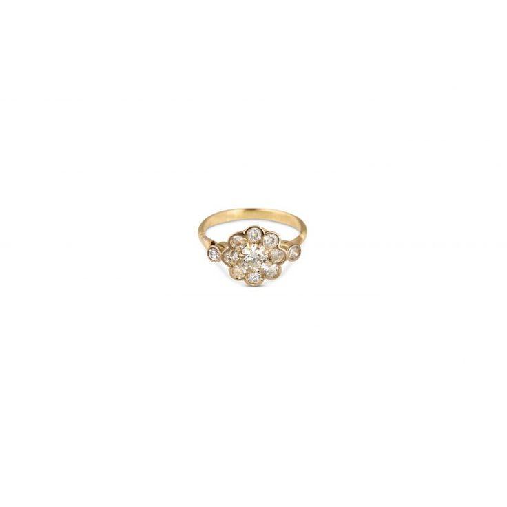 JY33 18ct Yellow Gold Diamond Daisy Ring