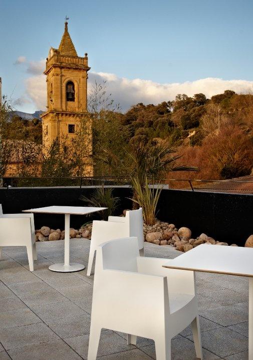 Terrace with views to the San Andrés Church @ViuraHotel in #Rioja, #Spain