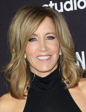 Felicity Huffman-Layered Hairstyles for Women with Thin Hair l www.sophisticatedallure.com