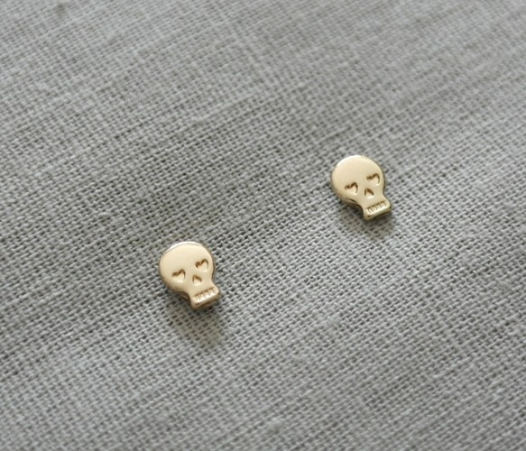 Skull Heart Stud Earrings