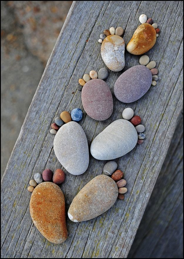 This would be a cute type of photo to do on a family vacation. You could take a sharpie and write the names and beach on the rocks. How sweet!