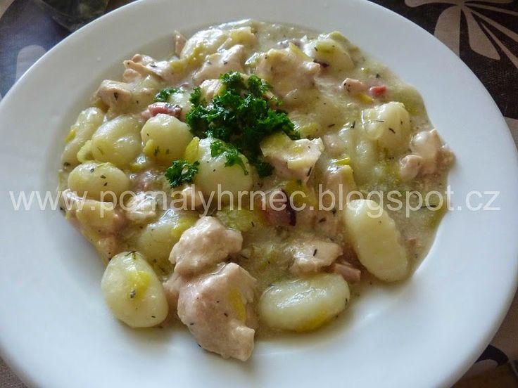Pomalý hrnec: Kuřecí casserole se slaninou a pórkem