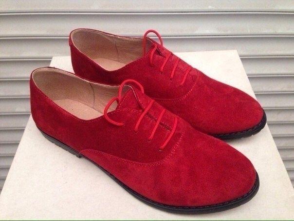 Женские туфли без каблука из натуральной замши красные