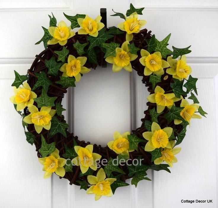 DAFFODIL IVY EASTER SPRING WREATH HANDMADE SILK FLOWERS SOLID CHUNKY WICKER BASE in Home, Furniture & DIY, Home Decor, Dried & Artificial Flowers | eBay