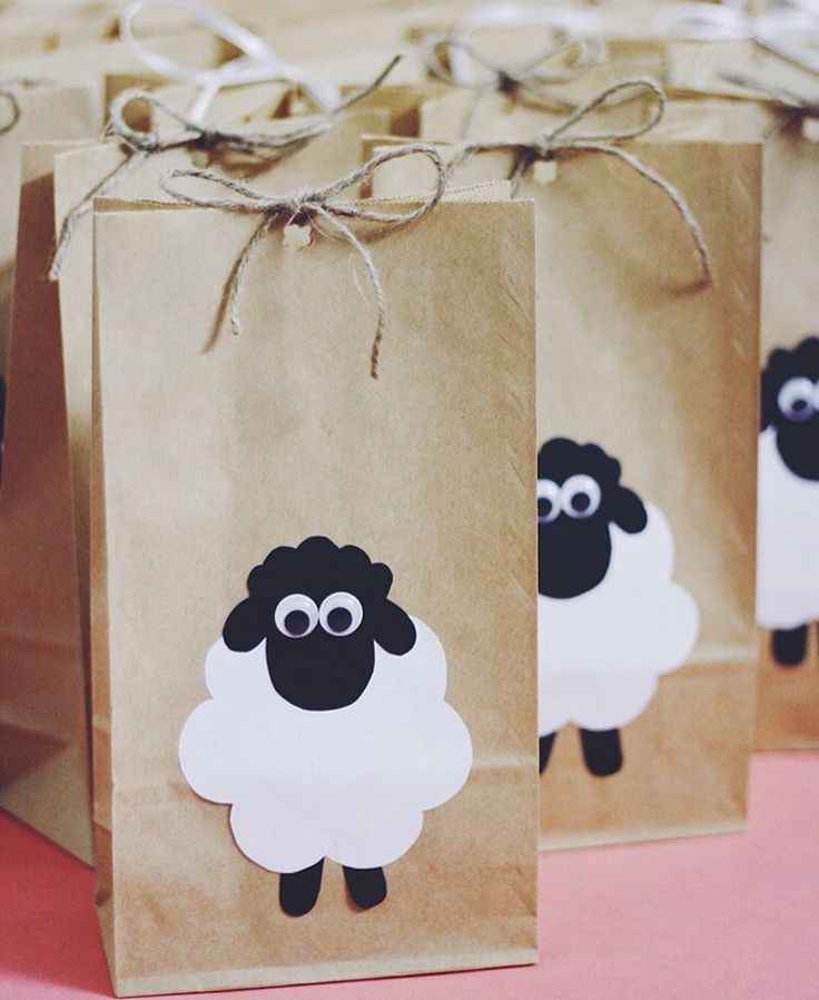 Animal Party Theme Decorations Part - 45: Party Gift Bags (for A Farm Animals Themed Birthday Party Perhaps)