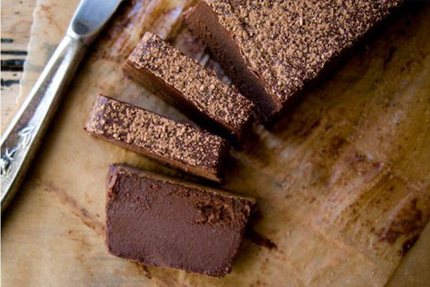 Tarta de chocolate sin horno | 23 postres sin horno que quieren enamorarte