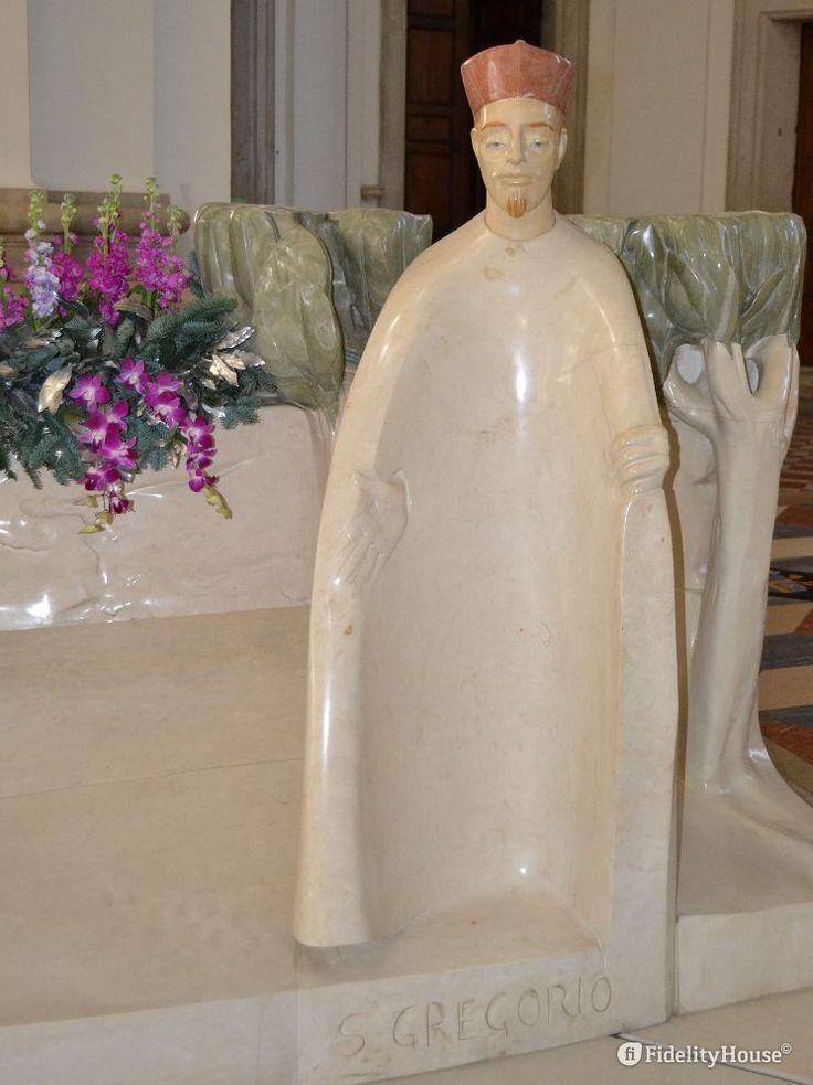 L'opera realizzata in marmo di Carrara da Giuliano Vangi in occasione del terzo…