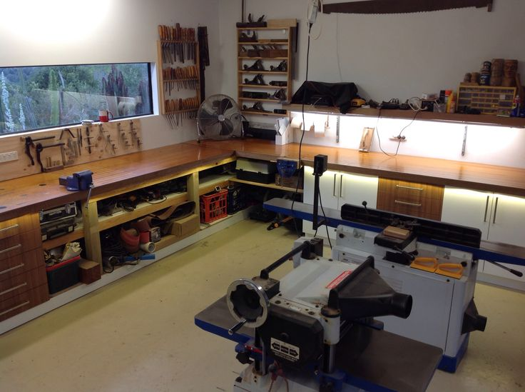 Workshop Lighting - overhead, over bench and under bench for lighting up cupboards and shelves, you need it all!!