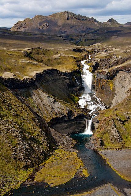 Ófærurufoss waterfall on Eldgjá volcanic rift, Iceland (by mickastrotrek).