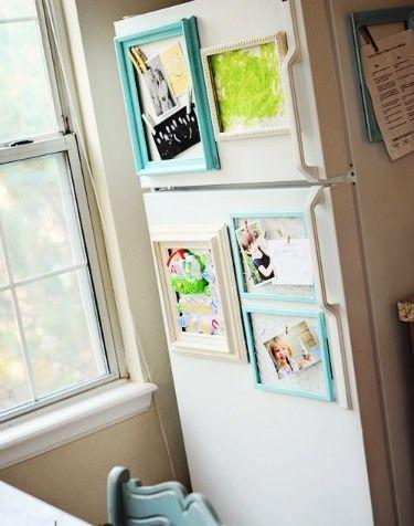 Обновление кухни. Вместо традиционных магнитиков на холодильнике, повесьте рисунки вашего малыша. Картины в магнитных рамках, как нельзя кстати, будут радовать каждый раз, когда вы заходите на кухню