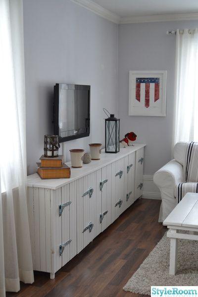 new england,hylla,lantligt,vardagsrum,tvbänk