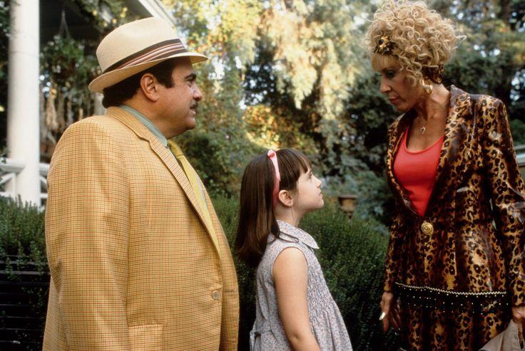 Still of Danny DeVito, Rhea Perlman and Mara Wilson in Matilda (1996) http://www.movpins.com/dHQwMTE3MDA4/matilda-(1996)/still-33601792