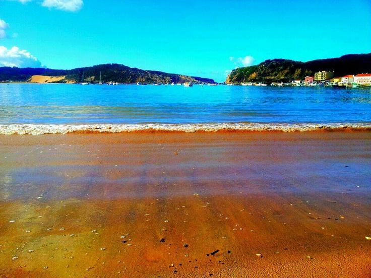 Binnen 10 minuten (met een huurauto bijvoorbeeld, www.cheapcars.nl) ben je op het prachtige strand van Sao Martinho, een stad direct naast Funchal.