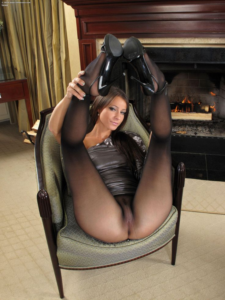 26 Pantyhose Deluxe 3 Pantyhose porn videos - high