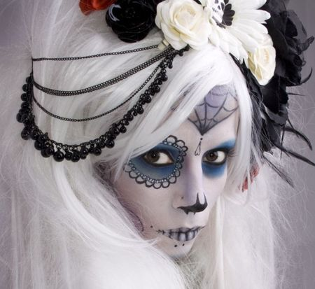 day of the dead bride would love this to be my Halloween costume this yr! After all Teal I'd the new black!