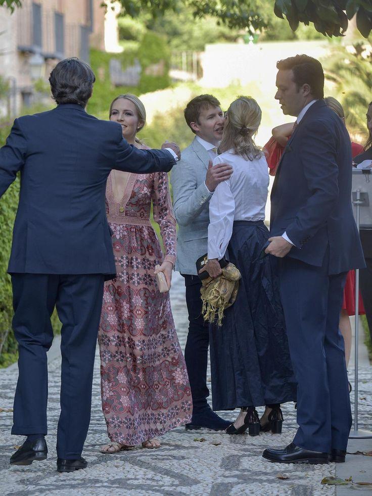 El cantante James Blunt y su esposa, Sofia Wellesley  - La llegada de los invitados a la fiesta preboda de Alejandro Santo Domingo y lady Charlotte Wellesley