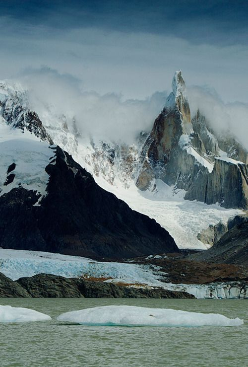 Cerro Laguna Torre, Los Glaciares National Park, Patagonia, Argentina.