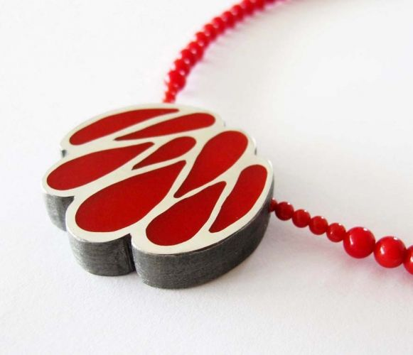 Red cleavage necklace, by Vero Lázár, oxidized silver, red resin, contemporary necklace, art necklace, Design jewelry, art jewelry, contemporary jewelry, elegant simplicity