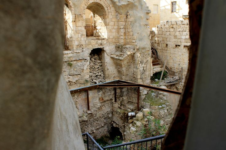 In this Old City Tour, see the Wailing Wall, Mount Zion, Via Dolorosa, Cardo and the Church of the Holy Sepulchre
