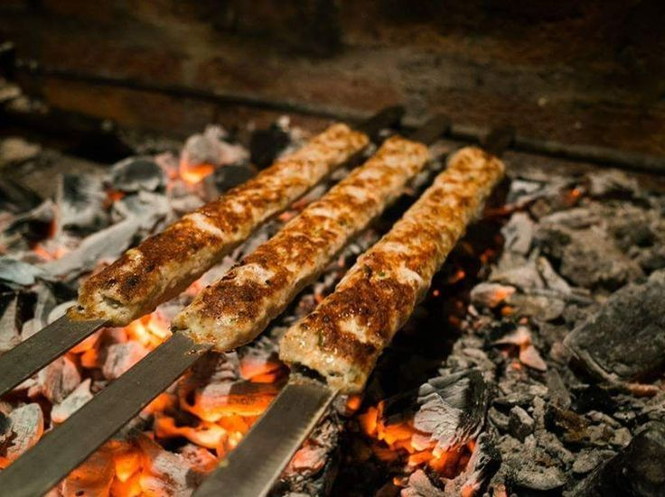 Nunca imaginé encontrar un lugar así! Taberna Armenia - Nuevo restaurante en #Baños #Ecuador