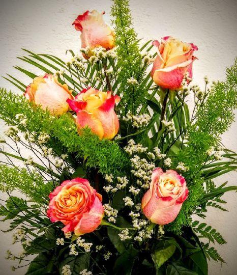 17 mejores im genes sobre ramos de rosas para regalar en - Ramos de flores modernos ...