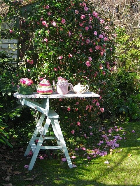 Tea in the garden. Can I come?