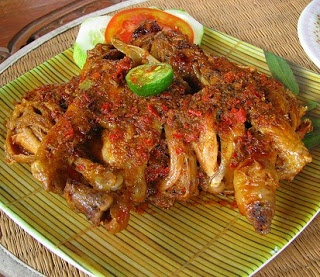 Betutu duck is a typical food of Indonesia, from Bali province. You all must have been well known in Bali. Betutu duck is the most popular food in Bali, especially when a particular celebration.