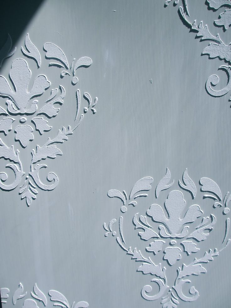 Cool - create a raised relief stencil pattern http://www.dimontifinishes.com/design-blog