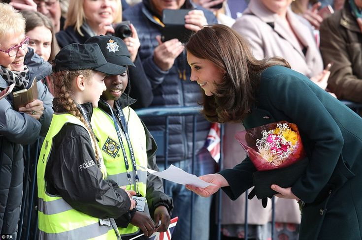 Kate later came across another pair of children who too were dressed in police outfits and presented the royal with a note