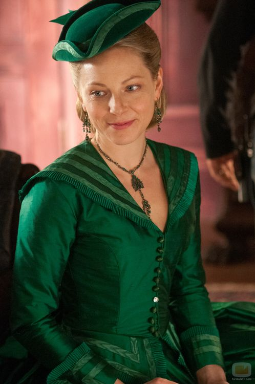 """Anastasia Griffith as Elizabeth Haverford in Copper (TV Series, 2012). Thought she might make a good Lady Elizabeth Baskerville in """"The Curse of the Pharaohs."""".#ElizabethPeters #AmeliaPeabody"""