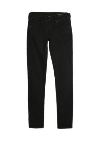 Узкие джинсы из денима чёрного цвета. Посадка на талии, пять карманов, на поясе шлёвки, застёжка на молнию и пуговицу. http://j.mp/1rQlo8g