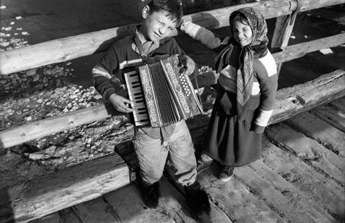 Roma children in Romania