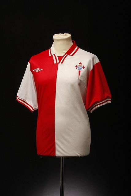 Celta Vigo Football Shirt (Third, 2001)