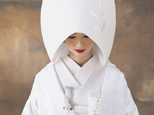 The Pure White Japanese Wedding Kimono, Shiromuku @ tokyopic.com, click for more photos!
