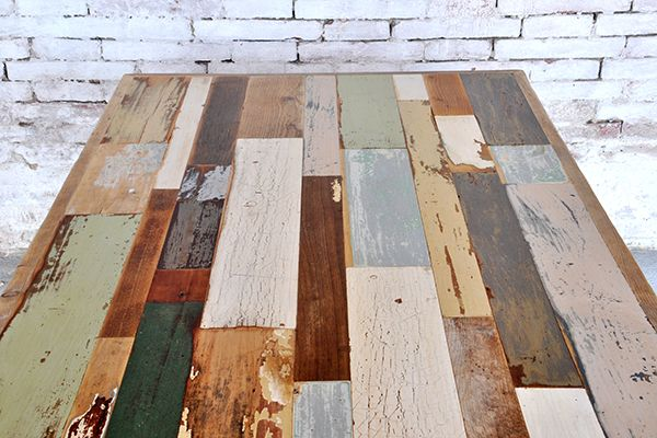 Interior design recupero il tavolo colore è un bellissimo connubio tra l'aspetto materico del legno e la linea contemporanea dello stesso tavolo. l'unicità del tavolo colore è il suo piano, assi di legno con colori SESTINI E CORTI