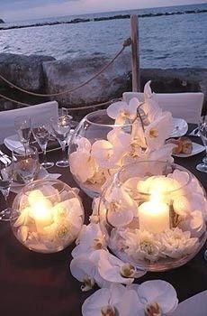 Orchideen - die stimmungsvolle Deko für Ihre Clearly Creative Kollektion. Kombinieren Sie mit dem neuen #ForbiddenFantasy Duft #Flirt für den vollen Blütengenuss ♥