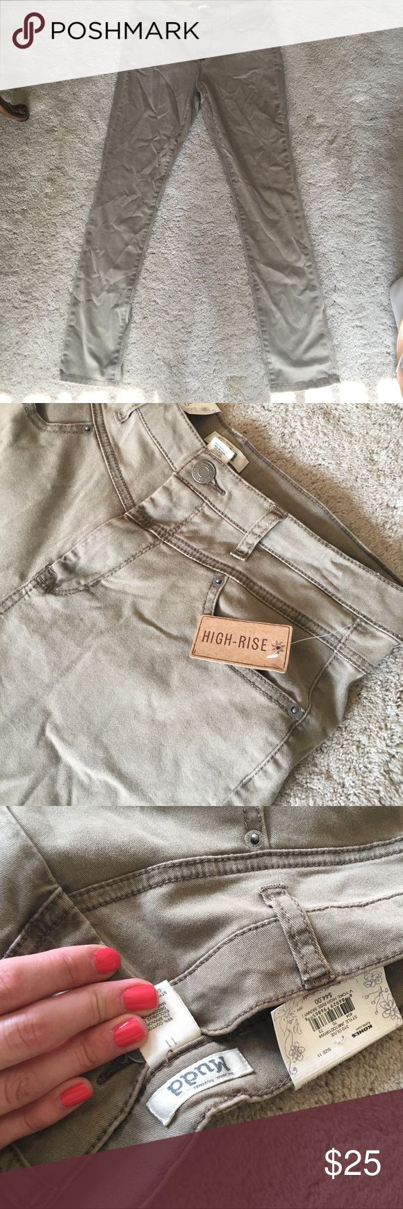 NEW WITH TAGS HIGH RISE TAN SKINNY JEANS Brand New never worn tannish brown high rise skinny jeans! Comfy and cute! Back hip pockets, belt loop and front pockets. Mudd Jeans Skinny