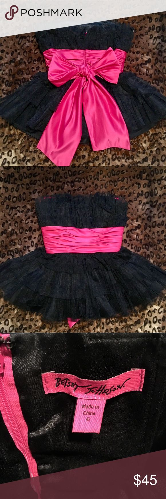 Betsey Johnson Top Beautiful, strapless, organza, tiered Betsey top with hot pink waist bow. Zip back. Size 6. Runs a little small. Betsey Johnson Tops Blouses