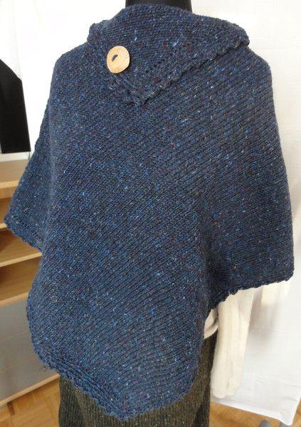 Poncho dunkelblau aus irischer Schurwolle von Dies und Das aus Wolle auf DaWanda.com