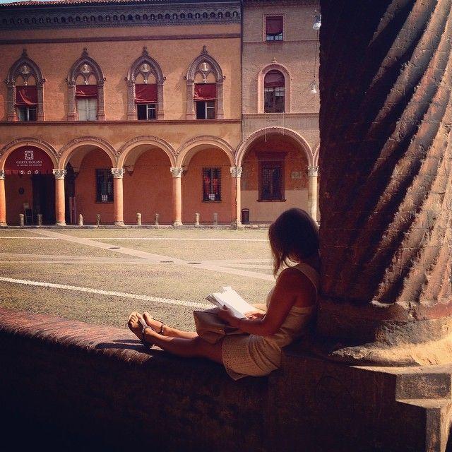 Bologna, Piazza Santo Stefano, foto di Camilla Tosi dal CONCORSO I PORTICI DI BOLOGNA