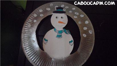 décorer une assiette en carton pour Noël #bricolage #noel #Noel #maternelle #caboucadin #activité