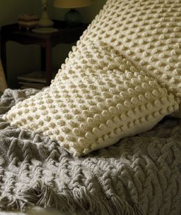 Knitting Pattern For Large Cushion : 1000+ images about fab knitted cushions on Pinterest Knitted Cushion Covers...